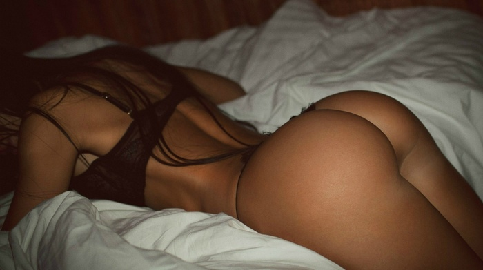 brunette, in bed, linen, booty, girls
