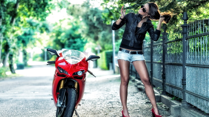 figure, hair, fence, sexy, shorts, motorcycle, girls, glasses