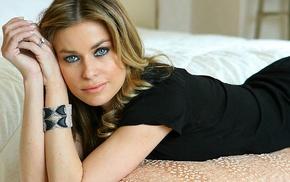 blonde, blue eyes, in bed, black outfits, Carmen Electra, bracelets