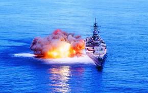 оружие, корабль в синем море, залп, военные учения на флоте