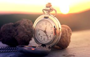 Sun, clocks, macro