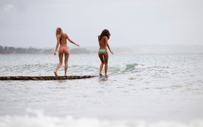 models, sea, girls, butts