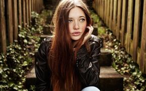 длинные волосы, голубые глаза, забор, губы, девушка