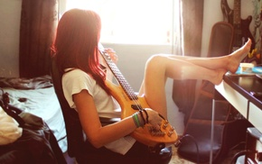 гитара, ноги вверх, девушка, рыжие, солнечный свет