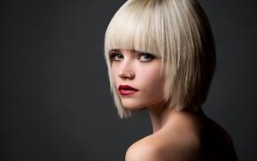 короткие волосы, оголенные плечи, простой фон, блондинка, портрет